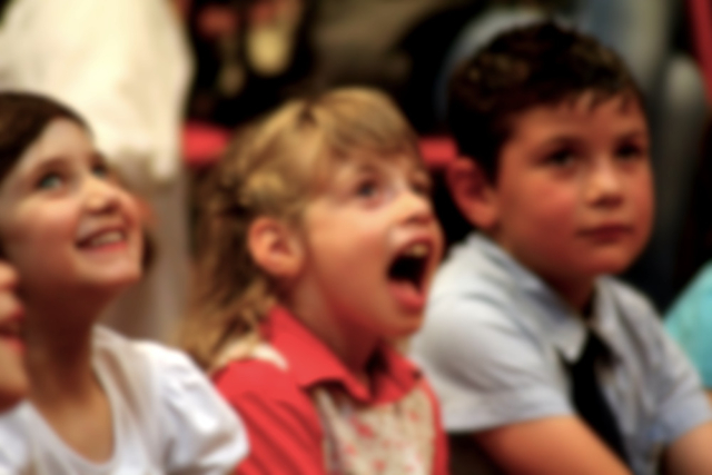 I bambini si emozionano ascoltando le storie
